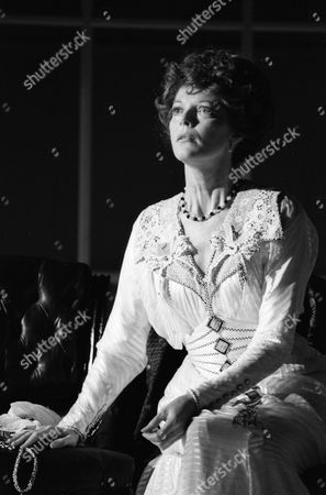 """Samantha Eggar appearing in """"The Lonely Road"""" at Guildfords Yvonne Arnaud Theatre and London's Old Vic"""