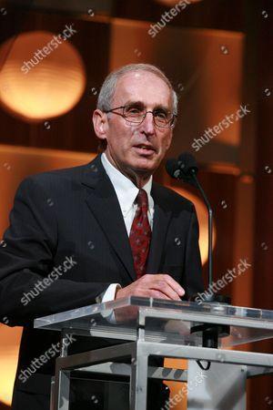 Dr. Gerald Levey