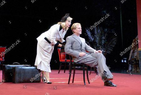 James Wilby (as Don Juan) and Felicity Dean (as Donna Elvira)
