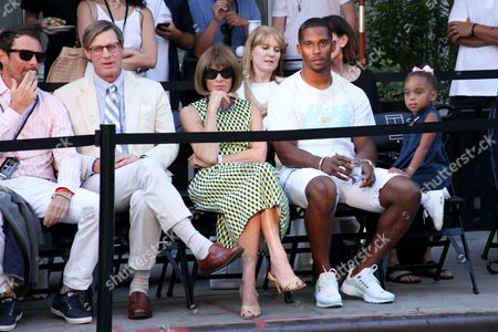 Shelby Bryan, Anna Wintour and Victor Cruz
