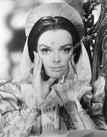 Barbara Steele, on-set of the Film 'The Pit and the Pendulum', 1961