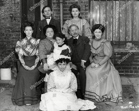 Standing : Anthony Halfpenny and Daphne Anderson. Sitting : Jean Kent, Joan Young, Carol Leslie, Harold Scott and Mary Jones. On Floor : Gretchen Franklin.