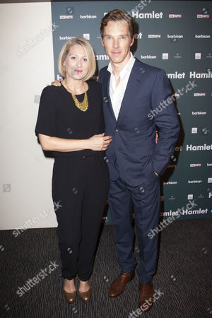 Sian Brooke (Ophelia) and Benedict Cumberbatch (Hamlet)