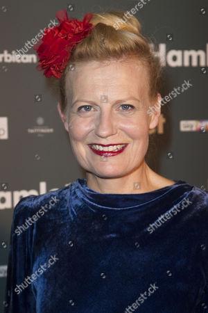 Anastasia Hille (Gertrude)