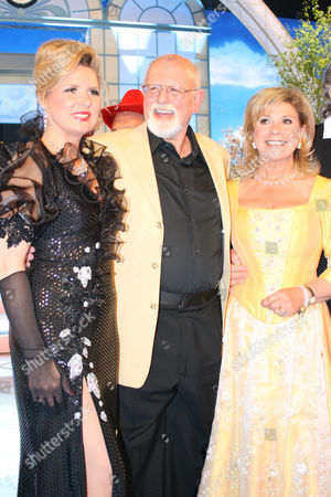 Roger Whittaker and Angela Wiedl and Marianne at the Spring Festival of Folk Music at the Erdgas Arena, Riesa, Saxony, Germany