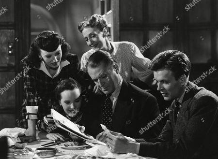 Yvonne Owen, Petula Clark, Marjorie Fielding, Jack Warner and Jack Watling