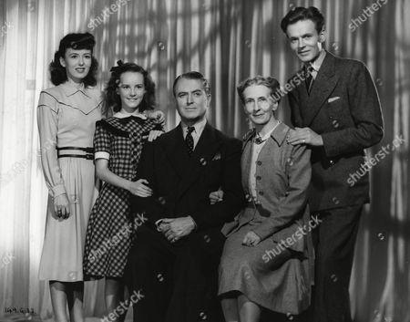 Yvonne Owen, Petula Clark, Jack Warner, Marjorie Fielding and Jack Watling