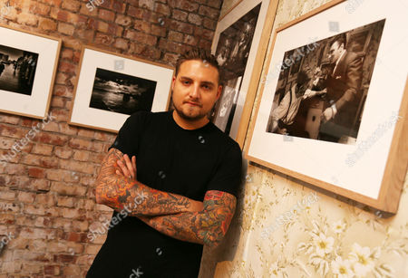 Gerry Calabrese, East End drinks maverick and entrepreneur previews an immersive photography exhibition that opens tomorrow (Friday) in the heart of the East End, focusing on the Krays and their legacy. The exhibition is open for two weeks to coincide with the release of LEGEND in UK cinemas on September 9th in which Tom Hardy plays Kray twins Ronnie and Reggie.