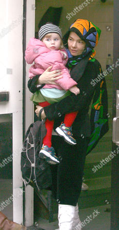 Editorial photo of BJORK AND DAUGHTER ISADORA SHOPPING IN NEW YORK, AMERICA - 21 OCT 2004