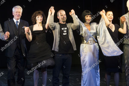 Michael Bertenshaw (Mr Hitchcock), Carly Bawden (Dahlia), Stephen Wight (Lee), Tracy-Ann Oberman (Isabella Blow) and Laura Rees (Arabella) during the curtain call
