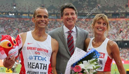 Sebastian Coe, new IOC President between the two Master winners, both from Great Britain, left David Heath and right, Sarah Louise Read Cayton