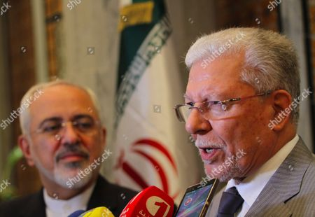 Tunisian Foreign Minister Taieb Baccouche and Iranian Foreign Minister Mohammad Javad Zarif