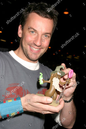 Craig Parker holding his own turd 'Lord of the Rims'