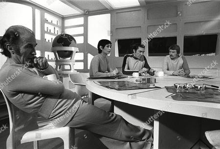 Barry Morse, Zienia Merton, Martin Landau and Nick Tate