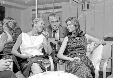 GARY COOPER WITH HIS WIFE SANDRA SHAW AND DAUGHTER MARIA