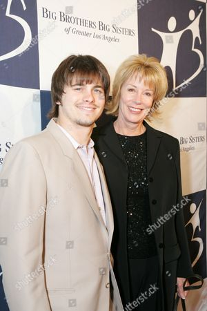 Jason Ritter and Sarah Purcell