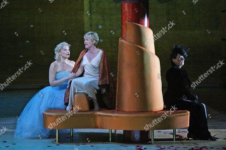 Karita Mattila (Arabella), Barbara Bonney (Zdenka), Cornelia Kallisch (Adelaide), 'Arabella', Royal Opera House