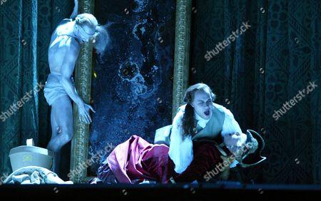 David Lucas (Eros), Barbara Bonney (Angelica), Bejun Mehta (Medoro), Orlando, Royal Opera House, Britain.