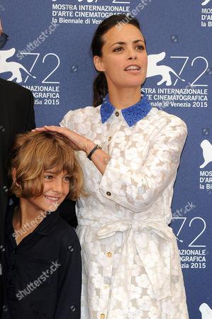Berenice Bejo and Tom Sweet