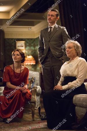 Kara Tointon as Rosalie Selfridge, Greg Austin as Gordon Selfridge and Kikha Markham as Lois Selfridge.
