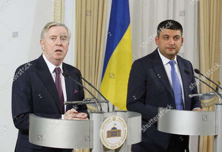Pat Cox, former President of the European Parliament, and Volodymyr Groisman, speaker of the Ukrainian parliament
