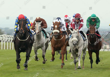 INGLEBY ANGEL Ridden by Josh Doyle (Red cap Blue Yellow Spots) wins at Carlsile