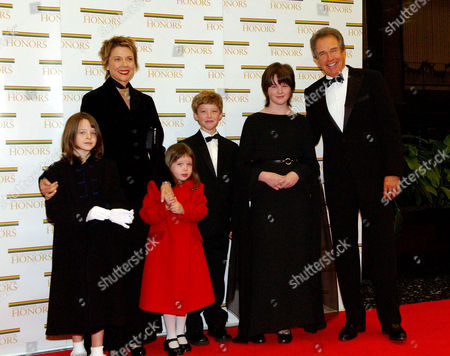 Isabel Beatty, Annette Bening, Ella Beatty, Benjamin Beatty, Katherine Beatty and Warren Beatty