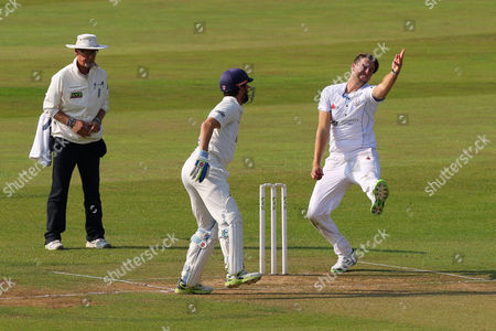 Ben Cotton in bowling action for Derbyshire CCC