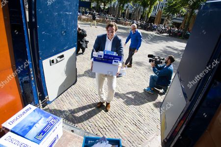 Editorial photo of Petition calling for a referendum on the EU Ukraine association treaty, The Hague, Netherlands - 10 Sep 2015