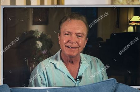 Stock Image of Eamonn Holmes and Ruth Langsford interview David Cassidy (Live from his Florida mansion)