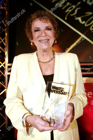 Ann Leslie of The Daily Mail newspaper with the 'Foreign Correspondent of the Year Award'.