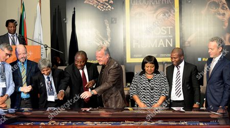 Wits Vice Chancellor, Adam Habib, Deputy President Cyril Ramaphosa and  Professor Lee Berger