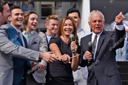 Suzi Perry, Collabro and Sunseeker's Robert Braithwaite CBE cut the ribbon to open the show