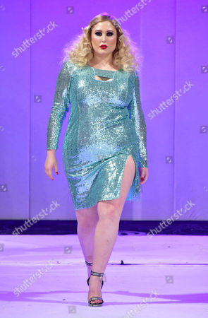 Hayley Hasselhoff modelling for Boohoo on the catwalk