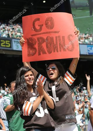 NFL  Met Life Stadium Meadwowlands New Jersey  New York Jets v Cleveland Browns New York Lady Cleveland Brown Fans