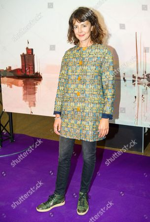 Constance Dolle at the 'Les Revenants' photocall