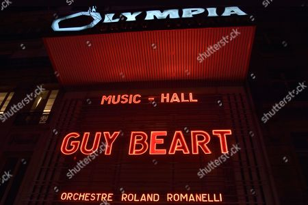 Guy Beart in concert at the Olympia, Paris