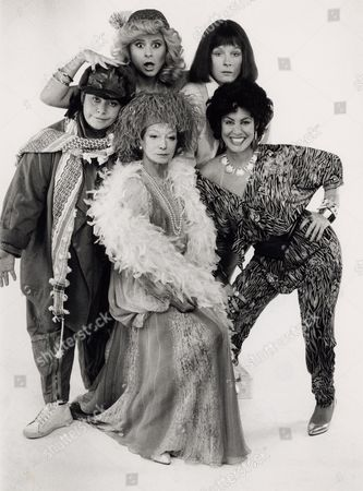 Stock Picture of DAWN FRENCH, JENNIFER SAUNDERS, TRACEY ULLMAN, JOAN GREENWOOD, RUBY WAX IN THE TV PROGRAMME 'GIRLS ON TOP'