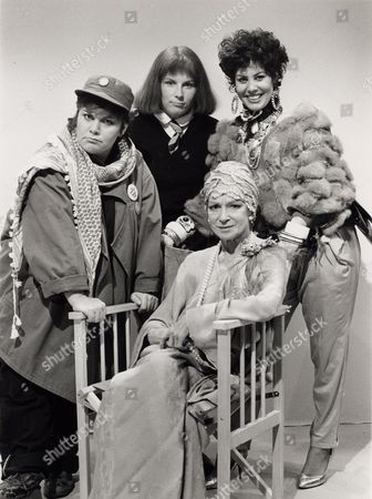 Stock Photo of DAWN FRENCH, JENNIFER SAUNDERS, RUBY WAX, JOAN GREENWOOD IN THE TV PROGRAMME 'GIRLS ON TOP'