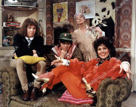 JENNIFER SAUNDERS, DAWN FRENCH, JOAN GREENWOOD, RUBY WAX IN THE TV PROGRAMME 'GIRLS ON TOP' - 1986