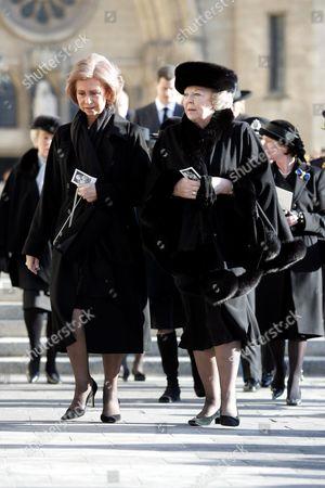 Queen Sofia and Queen Beatrix