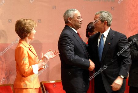 Laura Bush, Colin Powell and George W Bush
