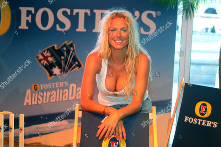 Editorial image of FOSTERS HOLDING AUSTRALIA DAY AT TRAFALGAR SQUARE, LONDON, BRITAIN - 26 JAN 05