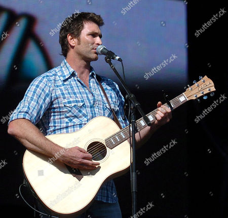 Stock Picture of Pete Murray.