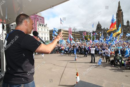Tommy Sheridan addresses the rally