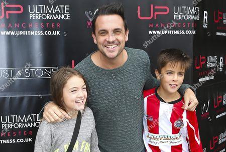 Key 103 Breakfast DJ, Mike Toolan with kids