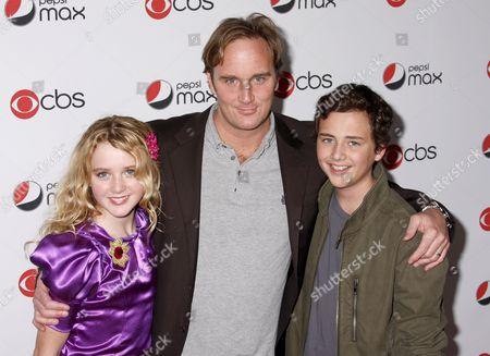 Kathryn Newton, Jay Mohr, Ryan Malgarini