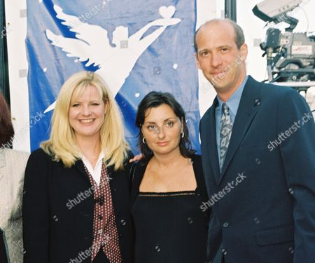 Bonnie Hunt, Jeanine Lobell and Anthony Edwards