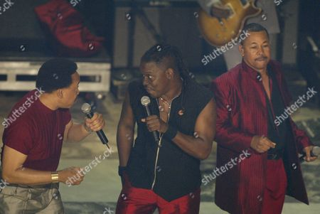 Stock Photo of Maurice White (L) and Philip Bailey (C) and Al McKay of Earth, Wind & Fire perfrom during the 2nd Annual BET Awards in Hollywood, California on June 25, 2002.  Photo by: Adrees Latif Photo® Adrees Latif / BEImages.net