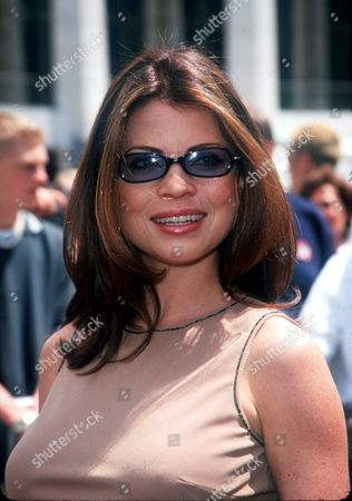 """05/15/00 New York City NBC presents new fall 2000 TV line-up. Yasmine Bleeth from the new series """"Titans"""" Photo ®Evan Agostini / BEI BEI-AE"""